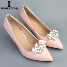 цена 1 Pair Handmade Rhinestone Decorative Shoe Clips Crystal Charm Elegant Flower New Fashion Wedding Shoes Decorations Accessories в интернет-магазинах