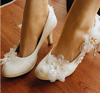 NEW PLUS SIZE Flowers Wedding Shoes Women Party Pumps Dress Shoes Sexy High-Heeled bridal Shoes White silver chains brides shoe