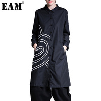 EAM 2018 New Spring Lapel Long Sleeve Printed Solid Color Loose Long Black Shirt Women