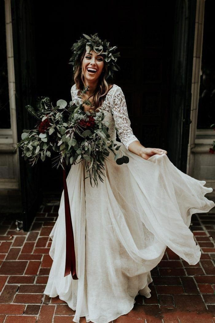 Vestido de noiva 2 Pieces Beach Boho Lace Wedding Dresses 2019 A Line Chiffon Half Sleeves Bohemian Sexy V Neck Bridal Gown in Wedding Dresses from Weddings Events
