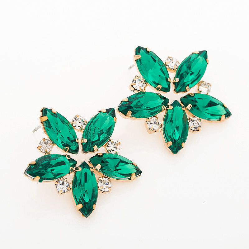 YFJEWE Fashion Hot Sale Full Rhinestone Stud Earring For Women Vintage Crystal Large Flower Earrings Wedding Gift E076