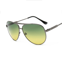 2017 High Quality Green Lens Night Driving Sunglasses Men Metal Frame Vintage Night Vision Goggles Brand Men's Sun Glasses UV400