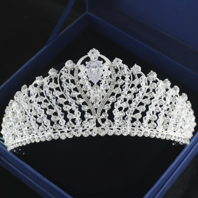 d70656bbc9c US $25.0   2018 Baroque Crowns and Tiaras Silver Plated Crystal Diamond  Bridal Hair Accessories Pageant Quinceanera Headbands Headpiece-in Bridal  ...