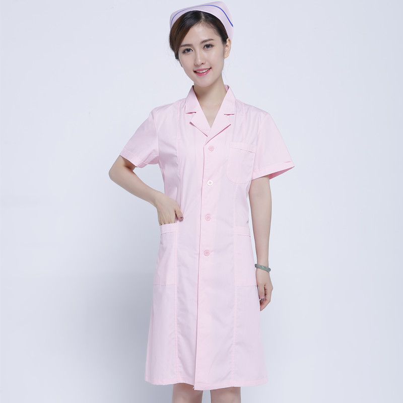 Female intern nurses wear fashionable white gown, short sleeves and short sleeve tattoo clothing store medical dress doctor