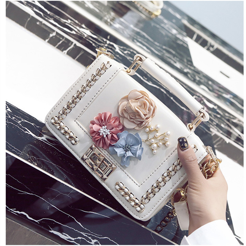 2019 Women Leather Messenger Bags Small Crossbody Bags For Women Sac a Main Flowers Shoulder Bag Female Envelope Bag Clutch Lady in Top Handle Bags from Luggage Bags