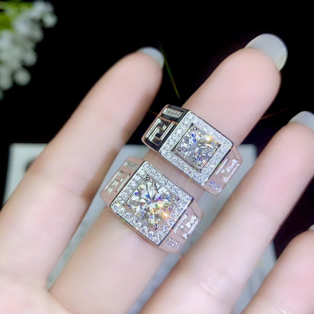 Moissanite Men s rings now the most popular gemstone have high hardness comparable to diamonds 925