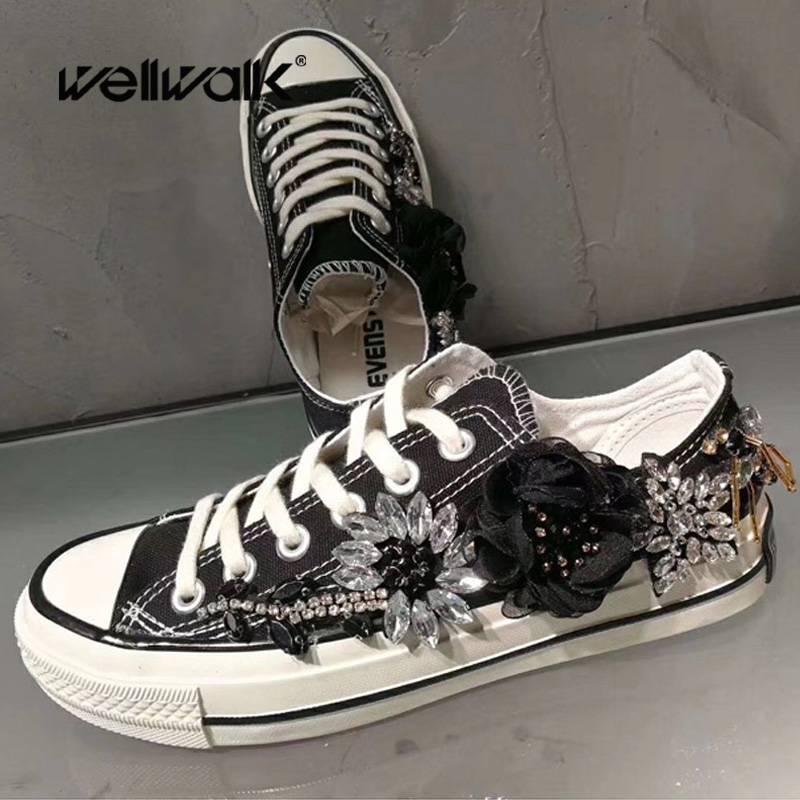 WELLWALK Crystal Drill Satin Flower Canvas for lady black daily walking shoe for women lace up Vulcanize shoe for female sneaker