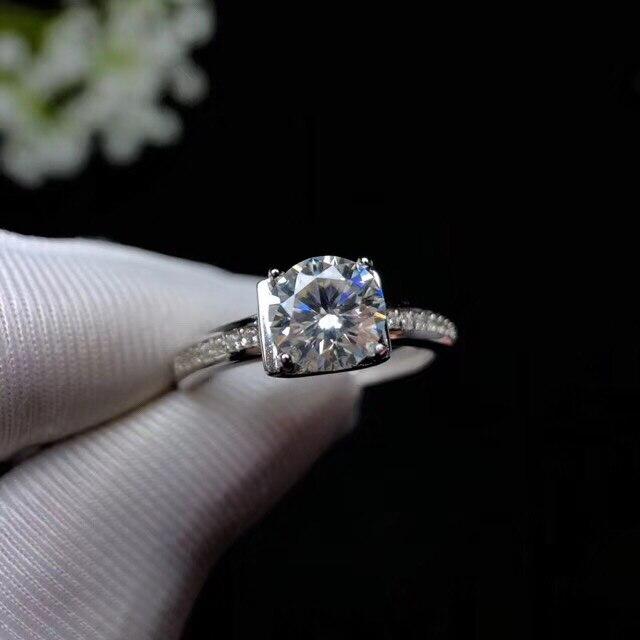 Mossanita, diseño de moda de plata 925, color de fuego fuerte, diamante, alta dureza 1.2ct - 4