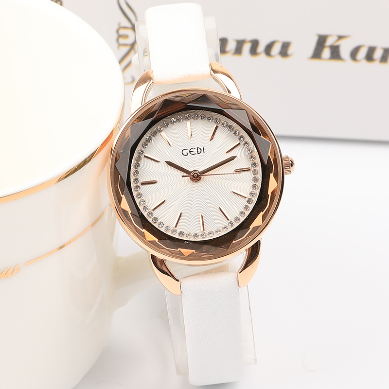 2018 נשים מהודרת למעלה יוקרה יהלומי קוורץ גבירותיי שעון אופנה מתנות שעוני יד עור נשים שעונים saat relogio feminino