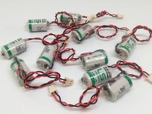 10pcs/lot New Original SAFT LS 14250 LS14250 1/2 AA 1/2AA 3.6V 1250mAh PLC Lithium Battery With Plug k7m drt20u ls lg new and original plc