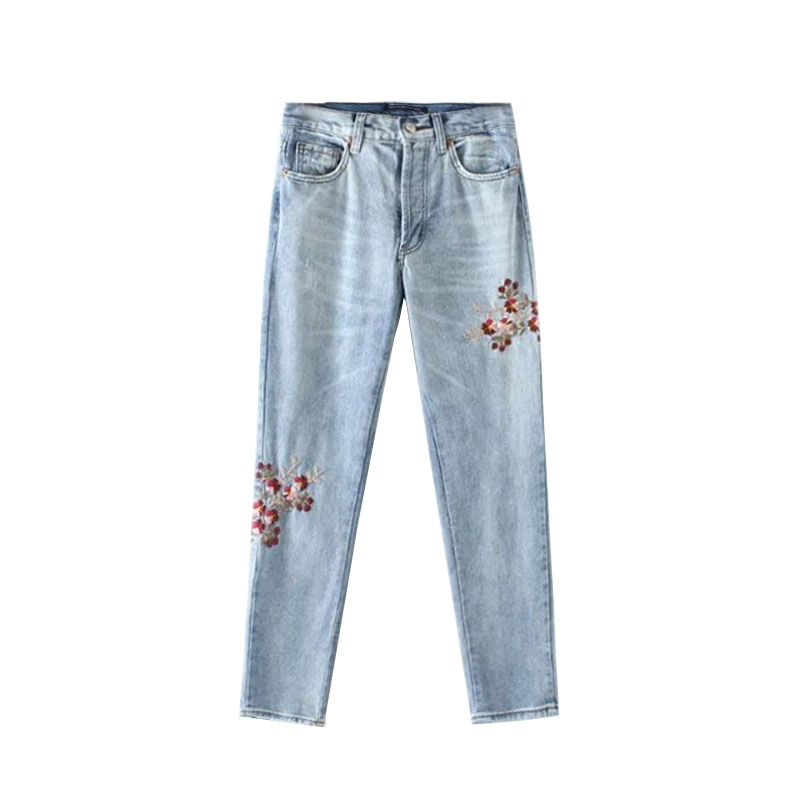 Elegant Flower Embroidery Jeans Female Light Blue Casual Denim Pants Autumn spring Pockets Vintage Straight Jeans Women trousers flower embroidery jeans female light blue casual pants capris 2017 spring autumn pockets straight jeans women bottom