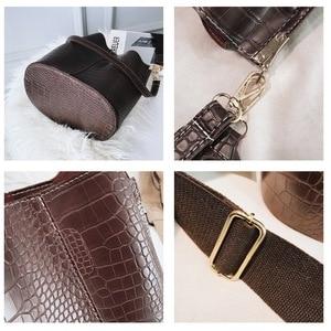 Image 4 - Ansloth Crocodile Crossbody Bag For Women Shoulder Bag Brand Designer Women Bags Luxury PU Leather Bag Bucket Bag Handbag HPS405