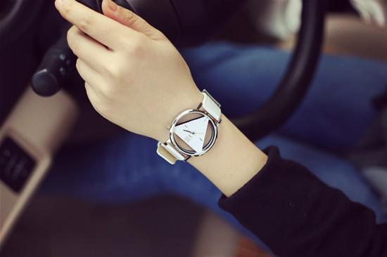 Szkielet zegarek Relogio feminino Trójkąt zegarka kobiet Delikatne przejrzyste pusta skórzany pasek wrist watch quartz dress watch 9