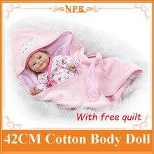 17 pulgadas NPK Bebes Recién Nacidos Baby Doll Realistas de Silicona Cuerpo de Algodón renacida Muñeca Con El Edredón Juguetes Para Regalo de Las Muchachas Niños Boneca