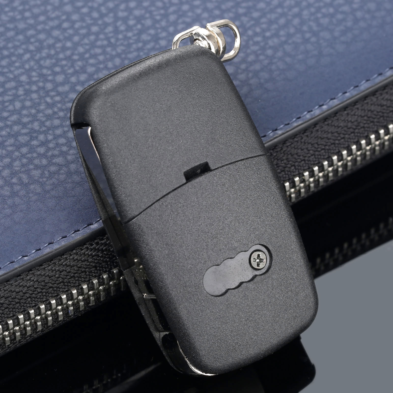 Image 3 - 3 Buttons Remote Folding Flip Key Shell Case Cover For Audi A2 A3 A4 A6 A8 TT CR2032 Car Replacement Fob Case Blank Blade-in Car Key from Automobiles & Motorcycles