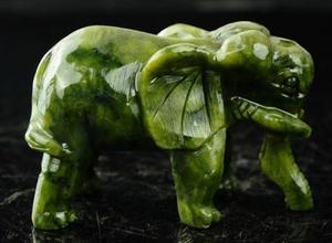 Image 4 - مجموعة رائعة الصينية الطبيعية اليشم الأخضر نحت الحيوان الأفيال طول العمر تمثال الميمون زوج