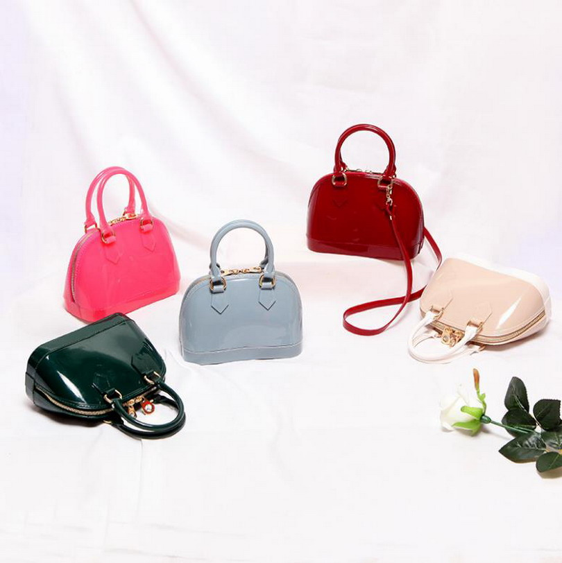 2019 New Silicone Summer Sweet Candy Jelly Shell Handbags Women Casual Tote Bag Ladies Crossbody Shoulder Beach Bags Girls Bolsa-in Shoulder Bags from Luggage & Bags