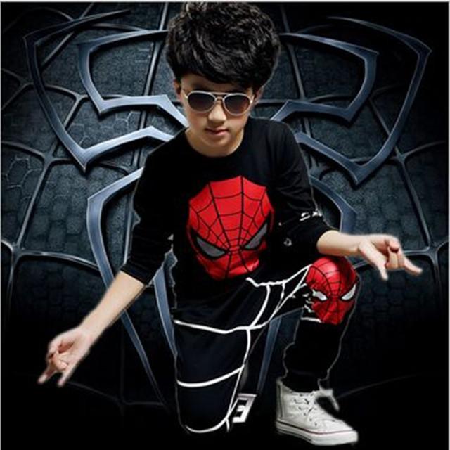 2016 ropa infantil Spiderman niños ropa de manga larga del o-cuello de deporte establece primavera ropa los cabritos aptos 4 - 8 T 2 unidades