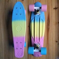 لوح تزلج بلاستيكي بألوان الباستيل اللامع ، لوح تزلج صغير كامل 22 بوصة × 6 بوصة ، لوح تزلج عتيق للأولاد والبنات