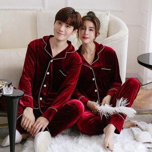 Image 2 - JULYS SONG Pijama de otoño e invierno para hombre y mujer, ropa de dormir de manga larga con Top y pantalones de terciopelo dorado