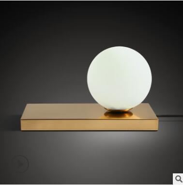 Nordic kreative einfache glas runde sphärische mini Luxo Jr. moderne schlafzimmer warme romantische mode nacht lampe-in Stehleuchten aus Licht & Beleuchtung bei