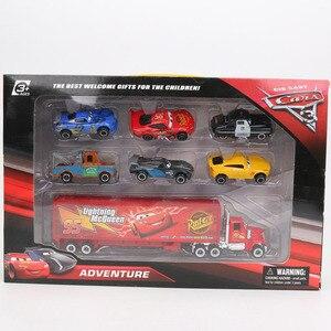 Image 5 - 7pcs/El Set Disney Pixar Juguetes de Cars 3 Rayo McQueen Jackson Storm Mater Mack tío Camión 1:55 Fundición a presión Metal Modelo de Coche Regalos para Chicos