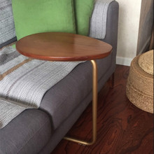 Креативный Овальный маленький прикроватный столик, передвижной деревянный диван, угловой журнальный столик, ленивый прикроватный столик для чтения