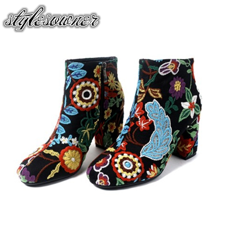 Stylesowner 2018 New Coming Unique Ethnic Flower Print Short Boots Thick Heel Keep Warm Winter Boots Fashion Design Boots