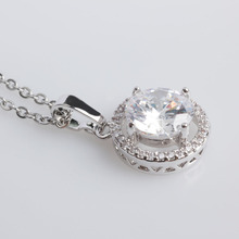 2018 New FINE4U N033 AAA CZ Stone Pendant Necklace For Women 316L Stainless Steel Chain Necklaces Wedding Party Jewelry