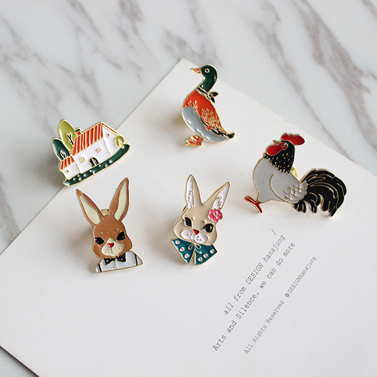 Free Shipping Cute Oil Drop Cartoon Rabbit Duck House Chicken Brooch Pins Fashion Jeans Clothes Decoration Jewelry Wholesale