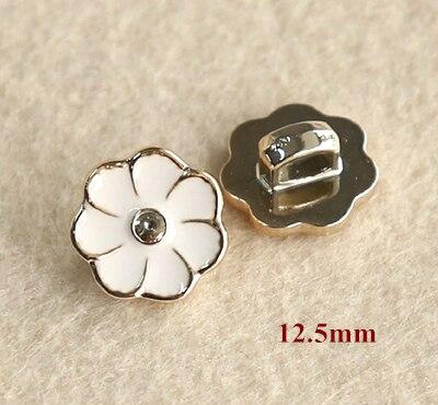 30pcs/lot Size:12.5mm Lovely white flower design shank buttons,plastic plating button for shirt,garment buttons(ss-700)