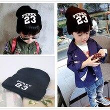 Высокое качество 23 буквы вязаные детские шапочки Детские вязаные шапки аксессуары из хлопка для маленьких мальчиков и девочек зимняя шапка BH67