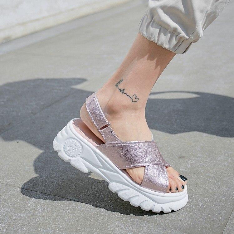 MLJUESE 2019 女性サンダルシープスキンシルバー色バックルストラップオープントゥプラットフォームヒールビーチサンダルパーティーサイズ 34 42  グループ上の 靴 からの ミドルヒール の中 1