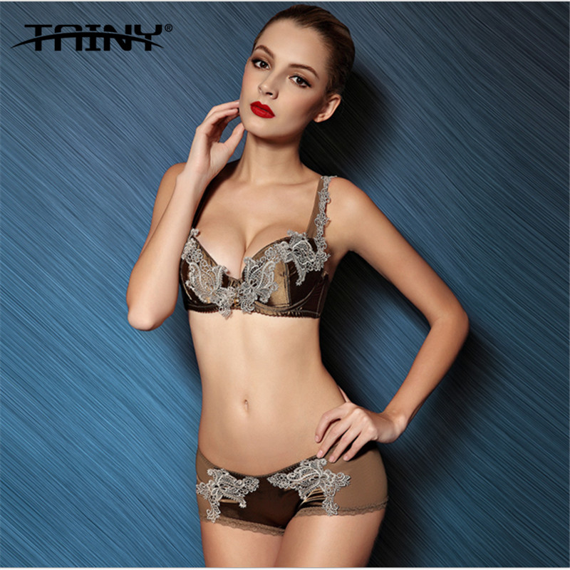 Tainy 2017 Vintage Noble Palace Embroidery Push Up Sexy -6548