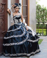 Vestidos de anos Quinceanera Dress Sweetheart Appliques Ball Gowns Black And White Elegant Wedding Party Dresses