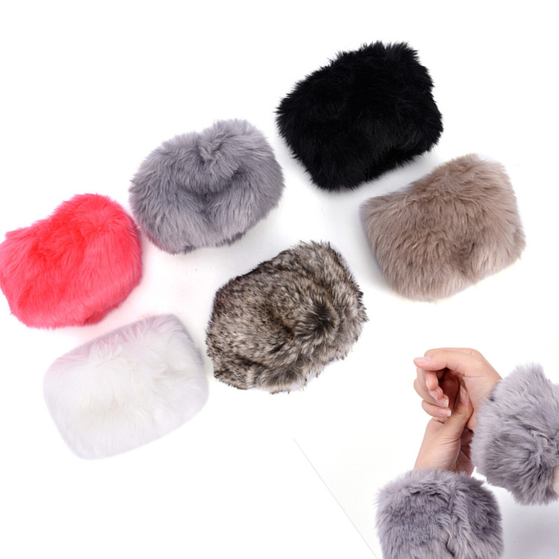 1Pair Women Winter Warm And Soft Wrist Warmer Oversleeve Faux Fur Windproof Arm Bracelet Wristbands Arm Sleeves