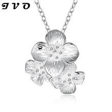 Banhado A prata Jóias Romântico Triplo Flor Mulher Pingente de Colar de Corrente de Prata Colares & Pingentes Para As Mulheres Acessórios
