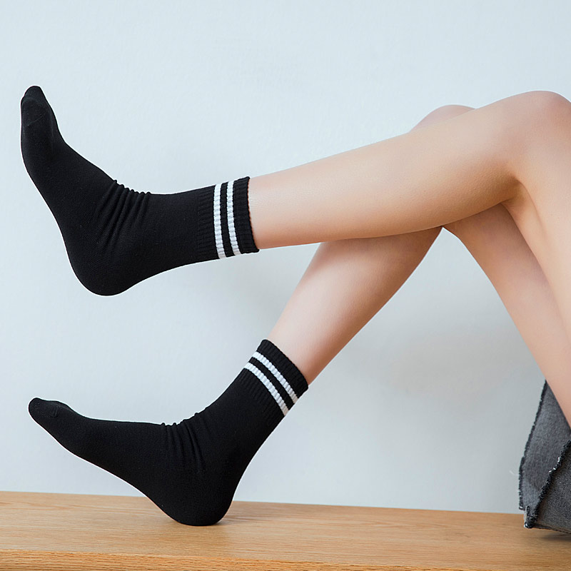 Hot Cotton Women Socks Two Stripes Sport Sock School Student Funny Non-slip Sock Fashion White Protect The Ankle Harajuku Korean