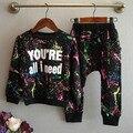 2016 nueva Streetwear niñas juegos de ropa de niños ropa deportiva de camuflaje completo y pantalones que arropan el for 2-7 años de edad