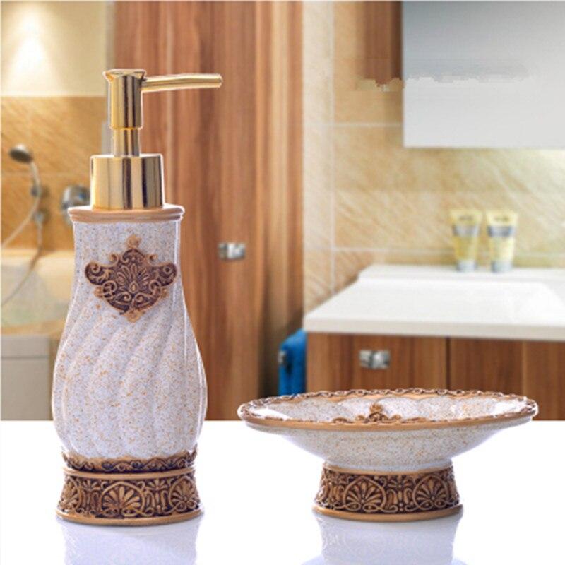 Vintage Bathroom Set European 2 Piece Bathroom Accessories Continental Hotel Suite Soap Box Creative Hand Sanitizer