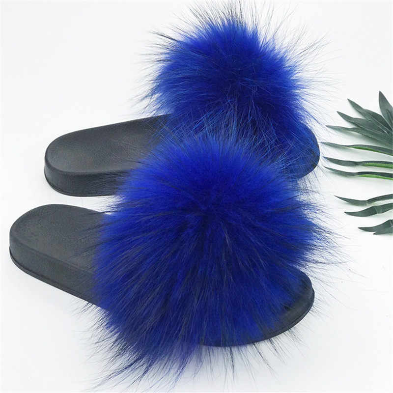 Новые летние домашние тапочки с мехом енота; меховые женские Вьетнамки; пляжные повседневные мягкие сандалии; модная плюшевая обувь.