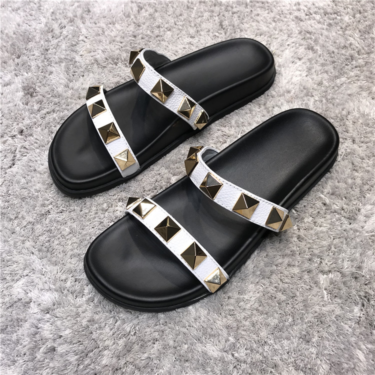 Rivets Chaussures Femme Luxury Shoes Women Designer Flats Slippers Women Outdoor Slides Leather Ladies Shoes Zapatos De Mujer