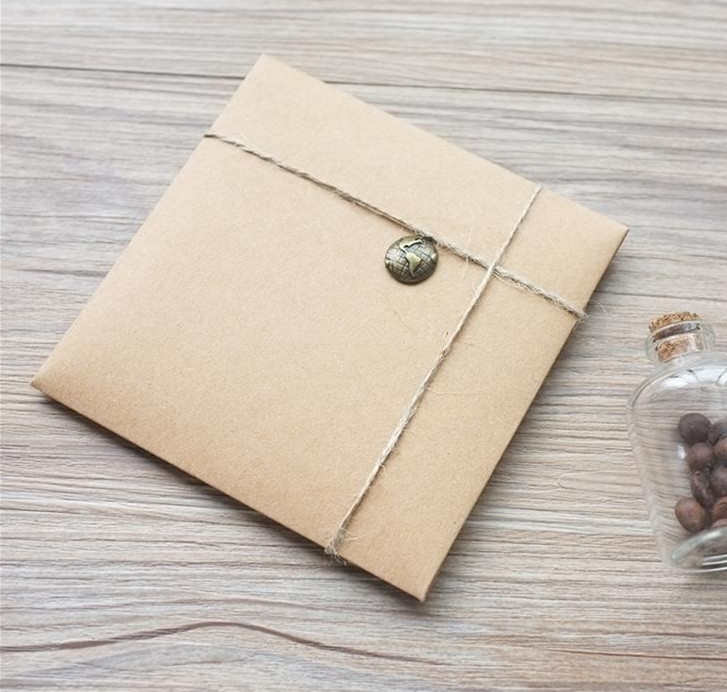 50pcs/lot-13*13cm Heart Clasp Kraft Paper CD DVD Storage Bags for Cover CD Packaging Envelopes Wedding Party Favor Gift Bags