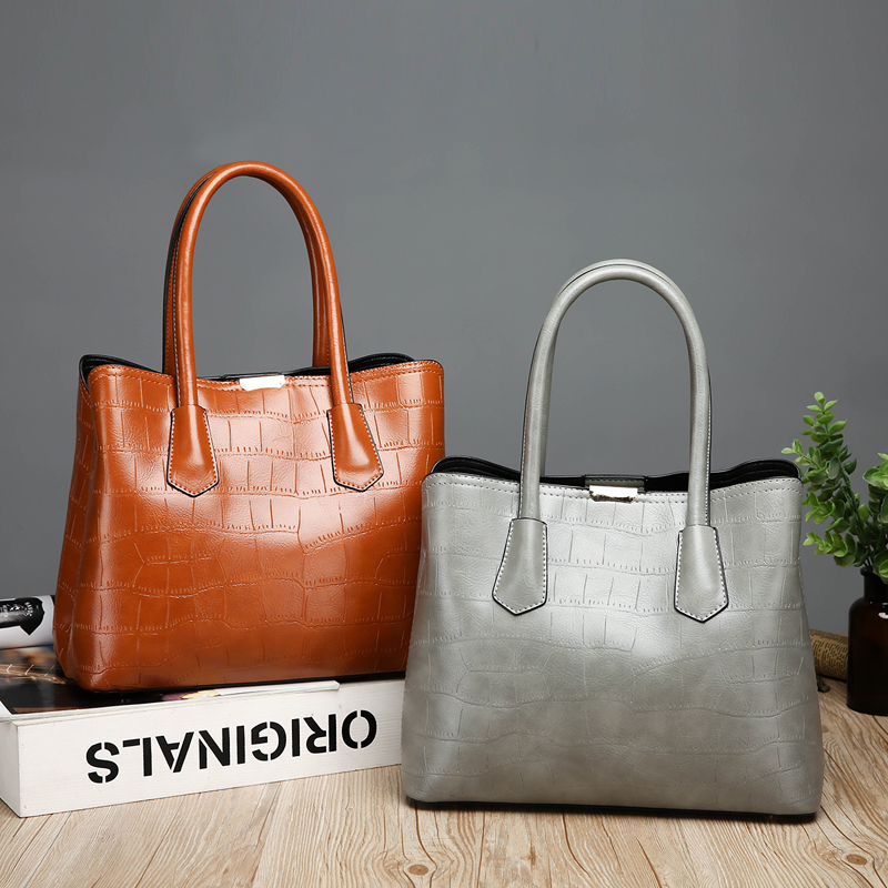 RANYUE 2018 New Fashion Stone Handbag Women High Quality Shoulder Bags  Ladies Solid Crossbody Bags For Girls Sac A Main -in Shoulder Bags from  Luggage ... 5af1a210230a1