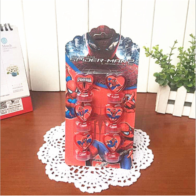 6 pçs/set Stampers Brinquedo Das Crianças Dos Desenhos Animados Spiderman Crianças Fontes do Partido de Aniversário de Super-heróis Selo Scrapbooking DIY Pintura Da Foto