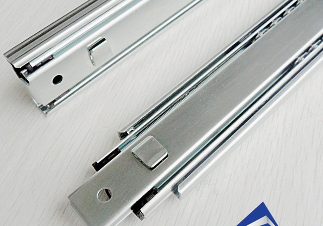Superbe Section Three Bayonet Metal Ball Bearing Slide Drawer Tool Cabinet Hanging  Rail Tracks Interpolated