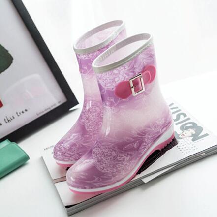 212de5eba413 Free shipping Spring and summer Specials Additive velvet Korea fashion Green  PVC Non-slip rain boots