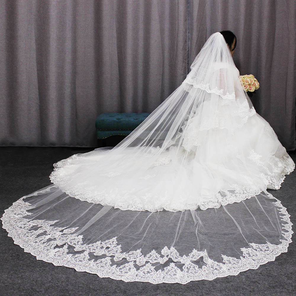 High Quality 3 Meters Long Wedding Veils 2 Layers Bling Sequins Lace Edge Cathedral Bridal Veil with Comb 2019 Velo De Novia