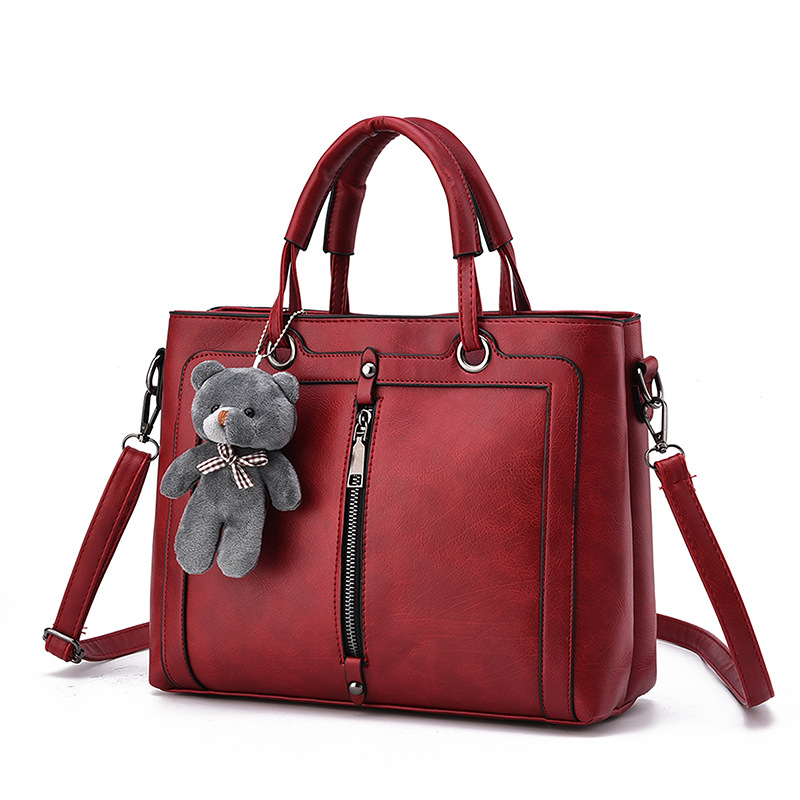 купить European and American style luxury handbag designer brand ladies shoulder bags Women's leather handbags with bear bolsa feminina дешево