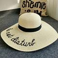 2016 Nuevas Mujeres Del Verano del Bordado de Las Señoras Plegable Grande Ancho Brim Floppy Summer Sun Beach Sombrero de Paja Del Casquillo Del Sombrero de La Gota gratis